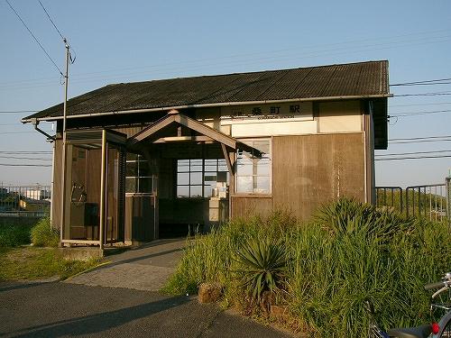 近鉄伊賀線・桑町駅